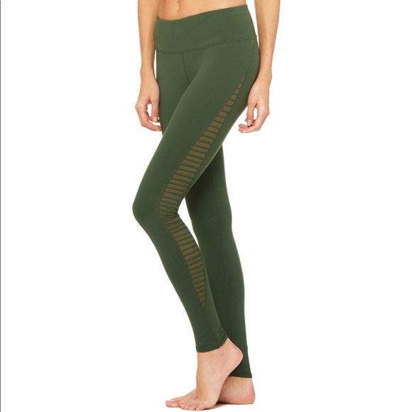 3cb03e23731815 ALO Yoga Pants | Luminous Legging | Poshmark